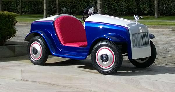 Miniklere Rolls Royce 'tan Büyük Sürpriz